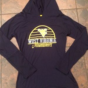 Tops - WV hooded shirt size medium